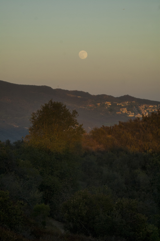 Super Moon at Topanga State Park Hiking to Eagle Rock